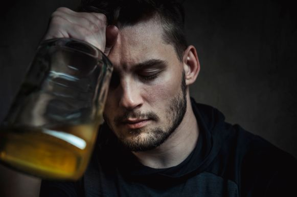 alcoholism-547168436-5962bc0c3df78cdc68bb0194.jpg